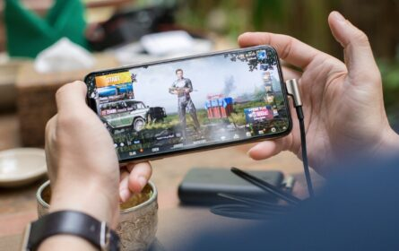 PUBG vs Free Fire Which one Is most attractive for gamers
